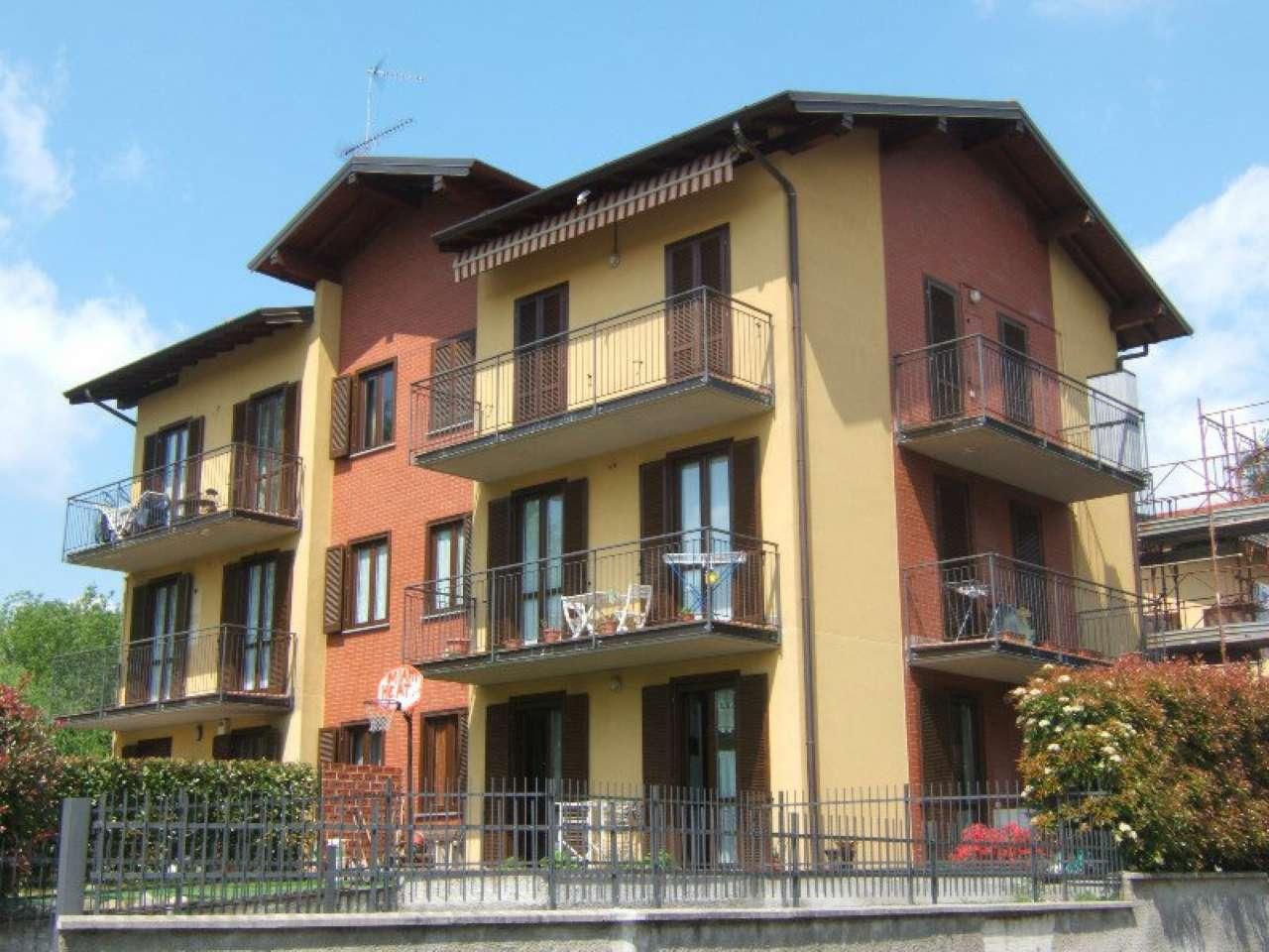 Appartamento in vendita a Vergiate, 2 locali, prezzo € 85.000 | CambioCasa.it