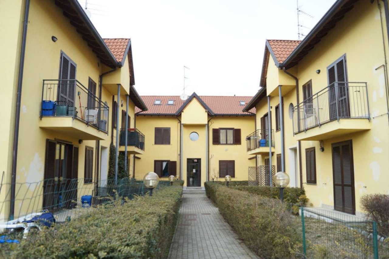 Appartamento in affitto a Osmate, 3 locali, prezzo € 550 | CambioCasa.it