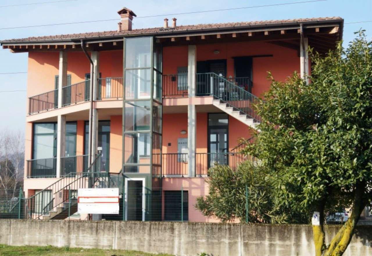 Appartamento in affitto a Gemonio, 3 locali, prezzo € 550 | CambioCasa.it