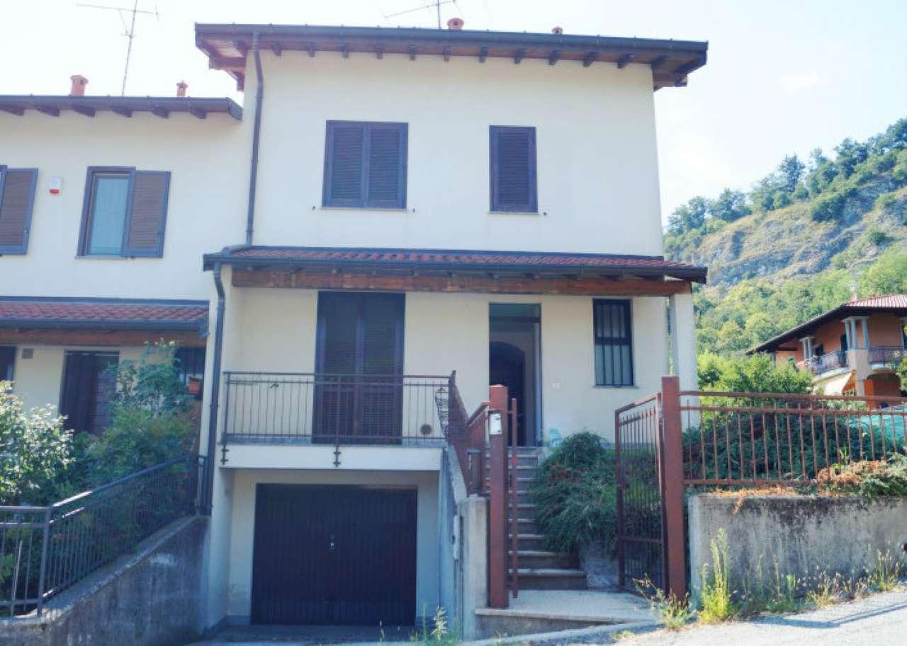 Villa a Schiera in affitto a Caravate, 5 locali, prezzo € 750 | CambioCasa.it