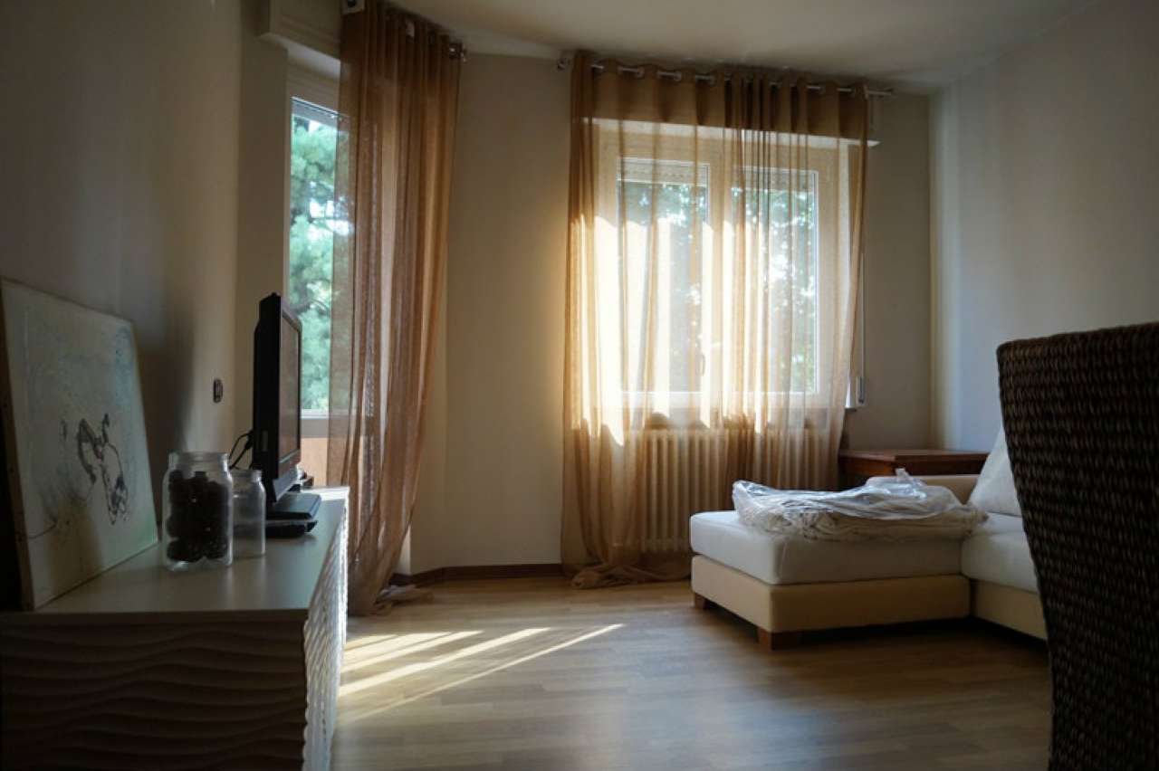 Appartamento in buone condizioni arredato in vendita Rif. 7873208