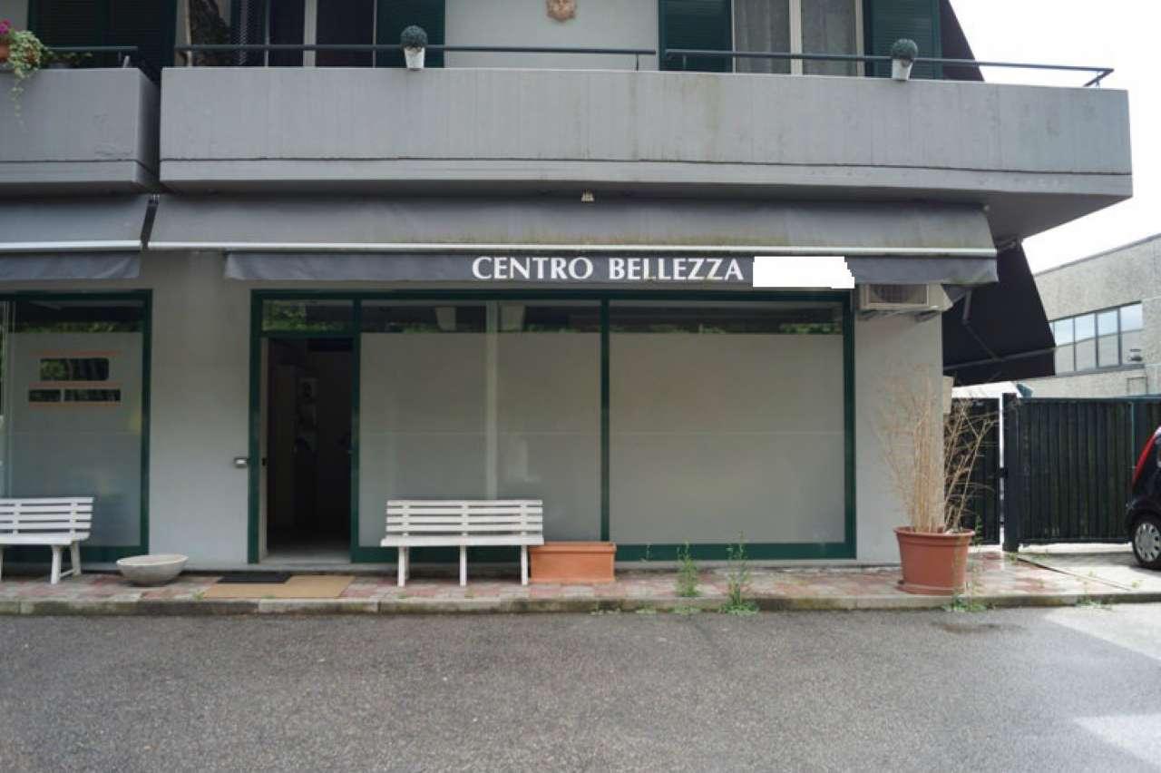 Negozio / Locale in affitto a Ternate, 2 locali, prezzo € 750 | CambioCasa.it