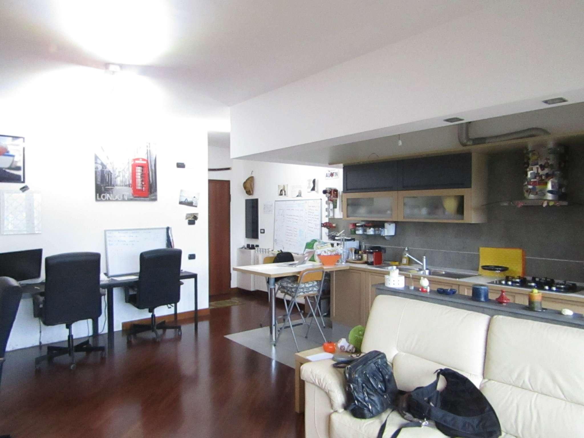Appartamento in ottime condizioni in vendita Rif. 6599065