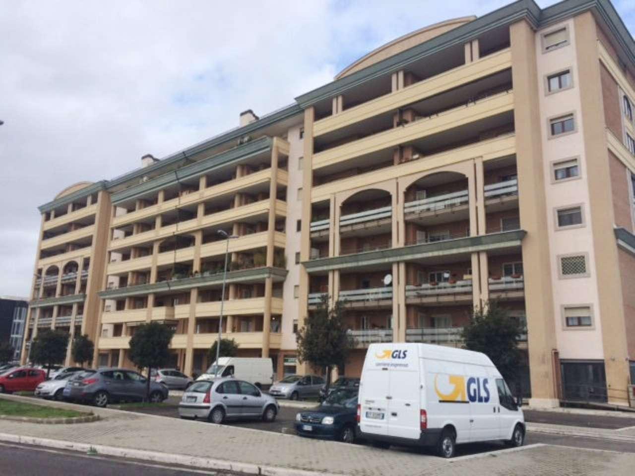 Appartamento in ottime condizioni arredato in affitto Rif. 7910149