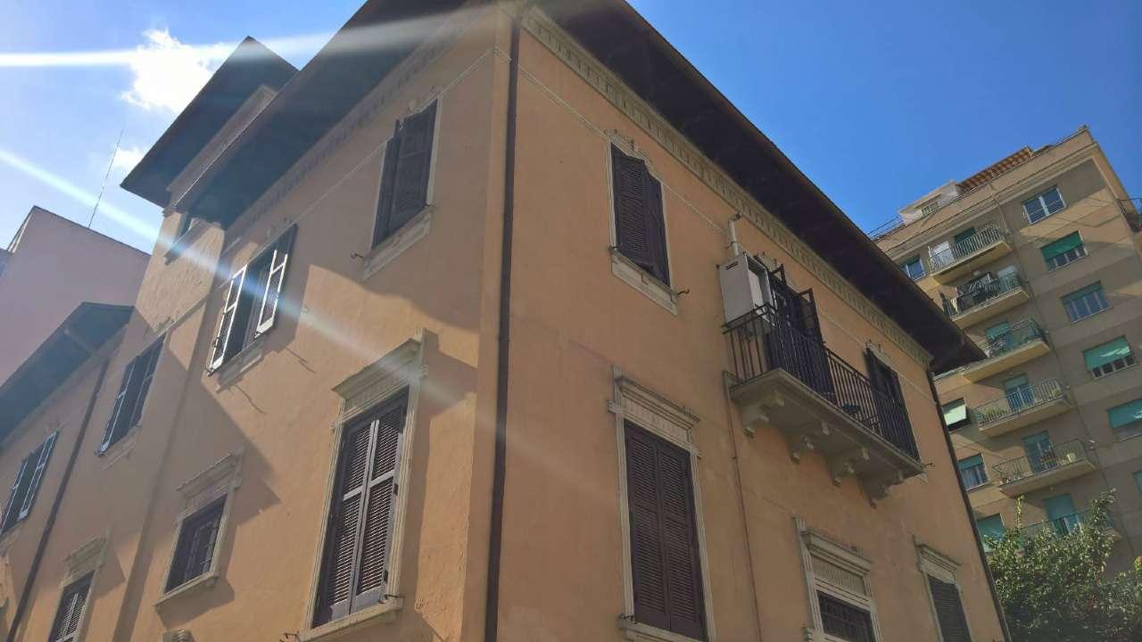 Appartamento in affitto a Roma, 2 locali, zona Zona: 16 . Appia nuova - Alberone - Colli Albani, prezzo € 900   CambioCasa.it
