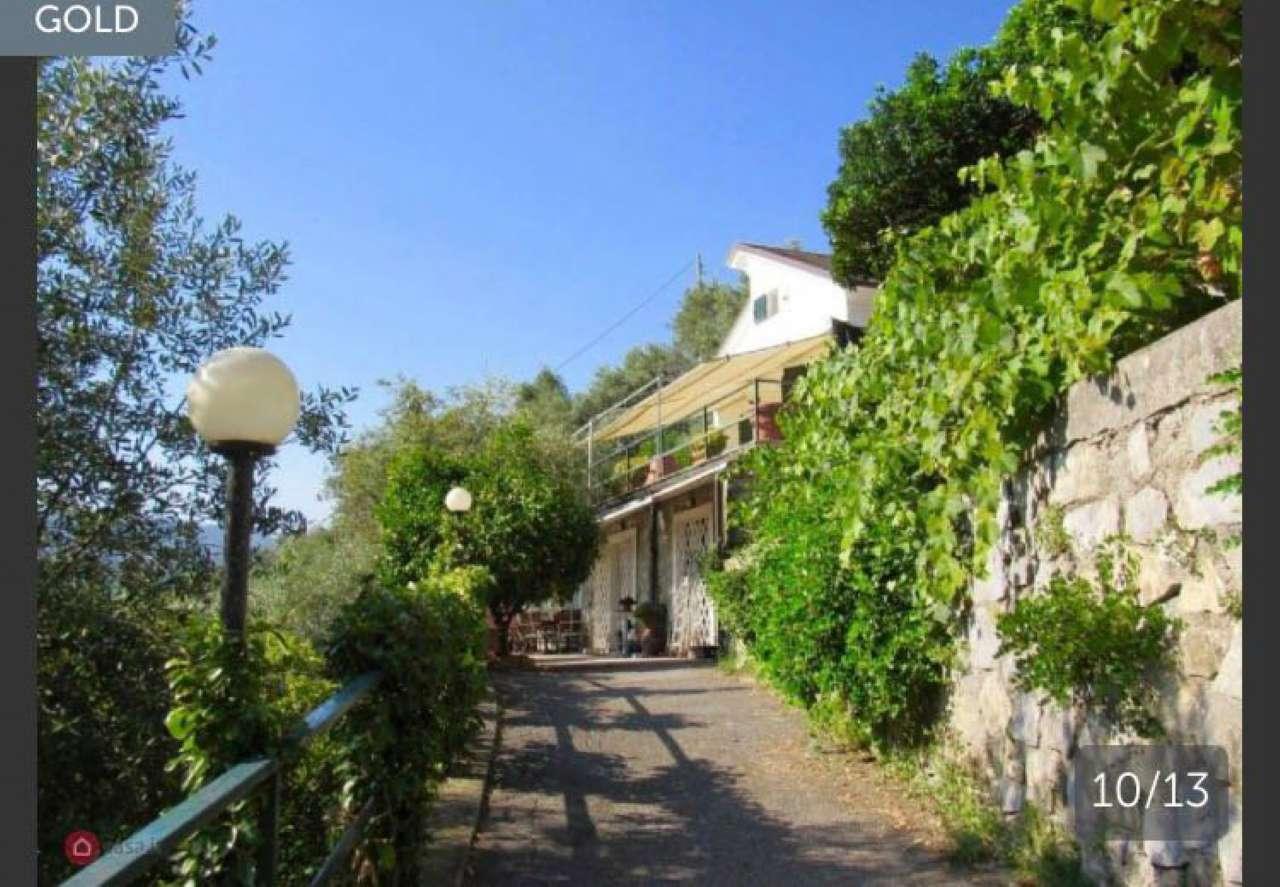 Villa in vendita a Camogli, 9 locali, prezzo € 750.000 | CambioCasa.it
