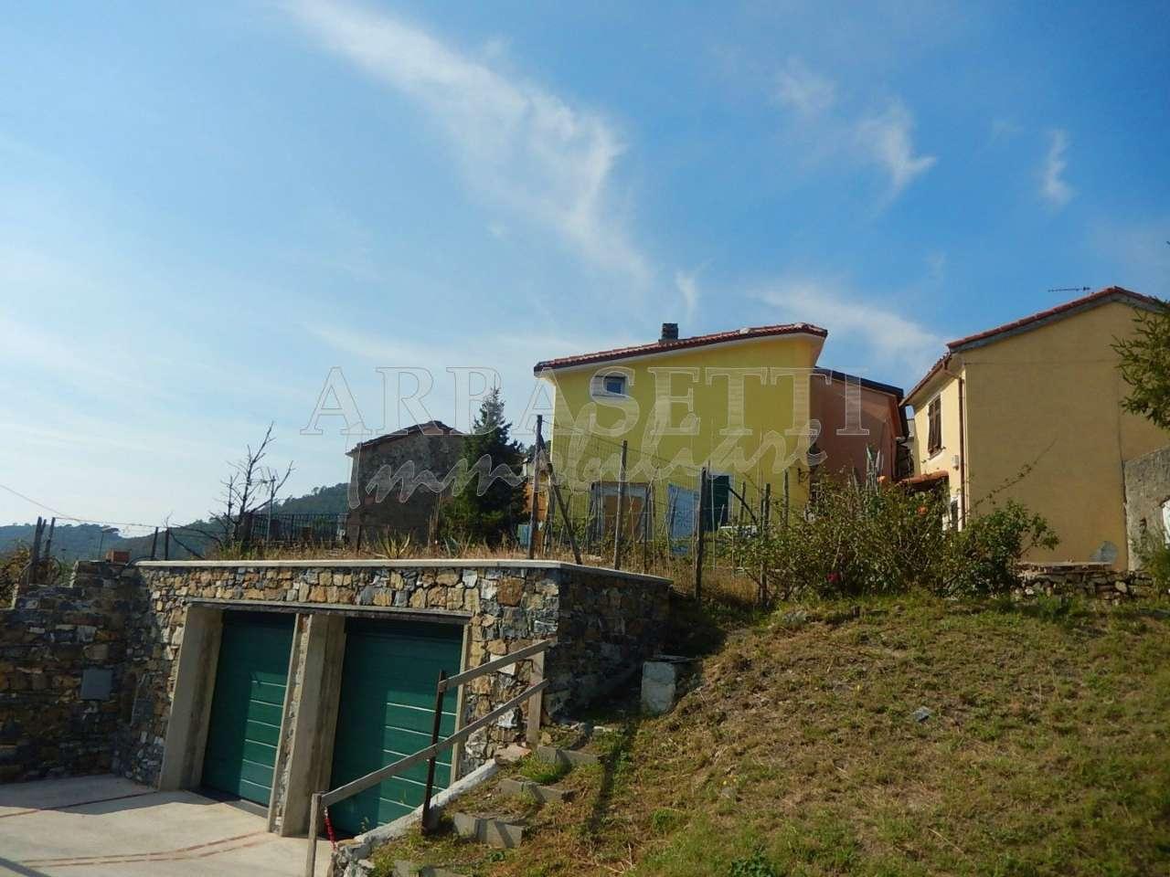 Palazzo / Stabile in Vendita a Casarza Ligure