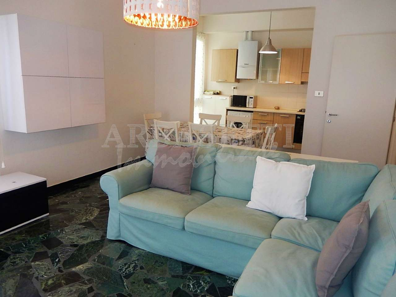 Appartamento in affitto a Sestri Levante, 7 locali, prezzo € 1.000 | CambioCasa.it