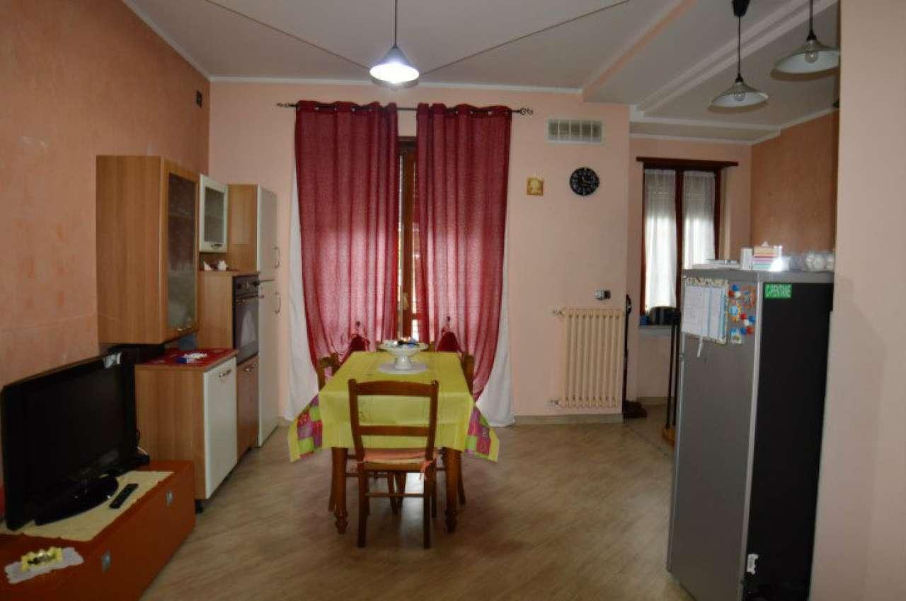 Appartamento ristrutturato arredato in affitto Rif. 8202001