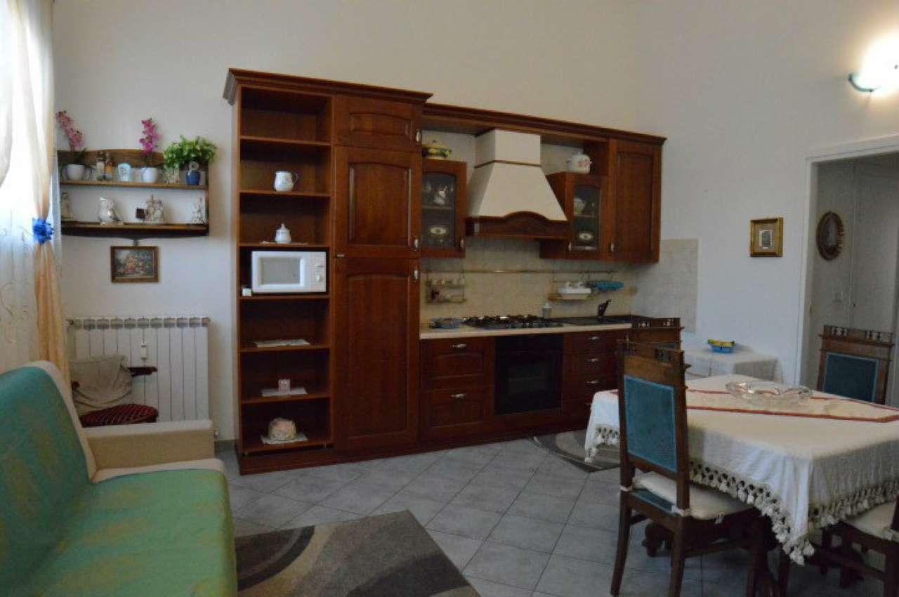 Appartamento in buone condizioni arredato in affitto Rif. 9244359