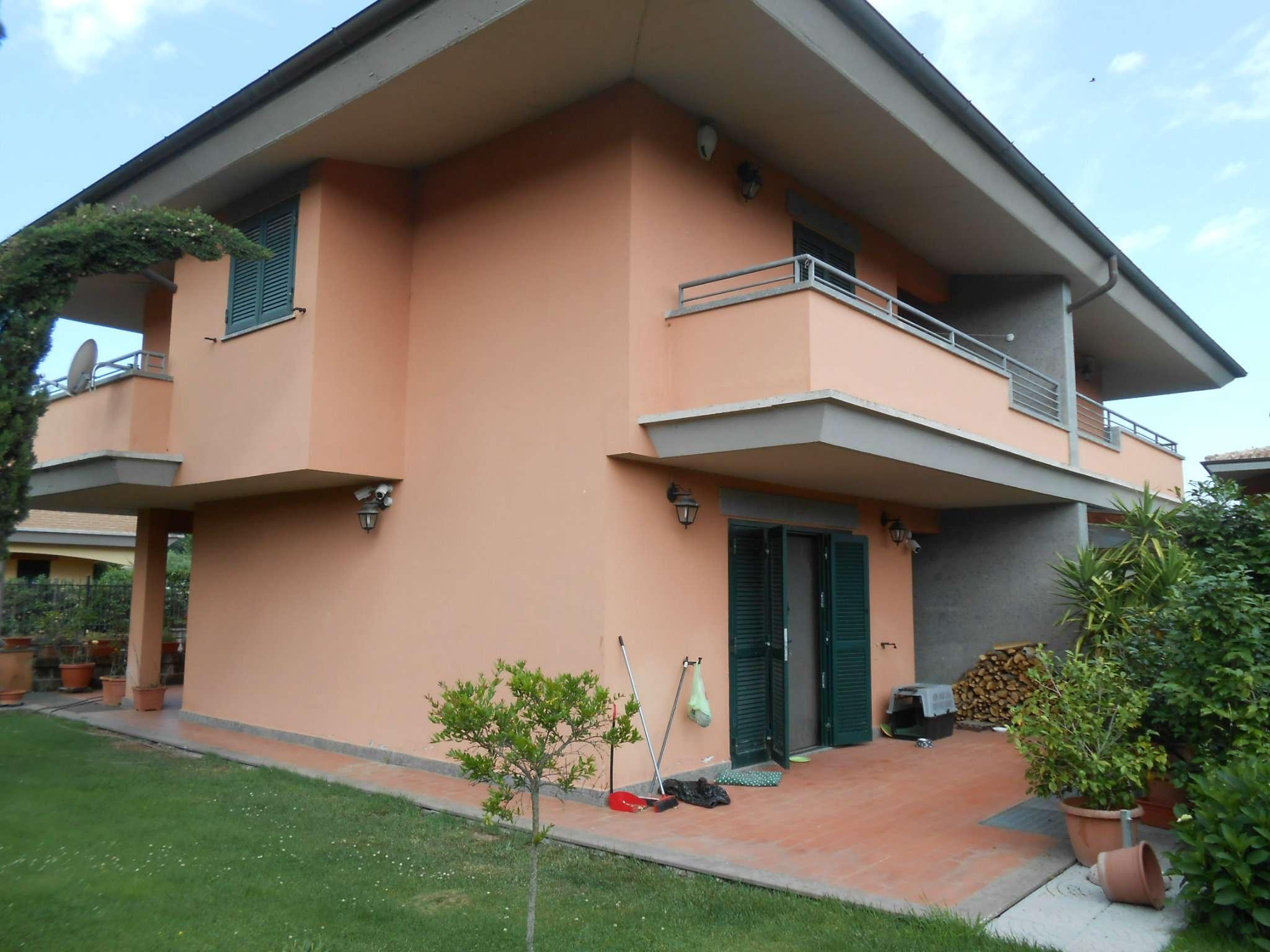 Villa Bifamiliare in vendita a Monterosi, 5 locali, prezzo € 149.000 | CambioCasa.it