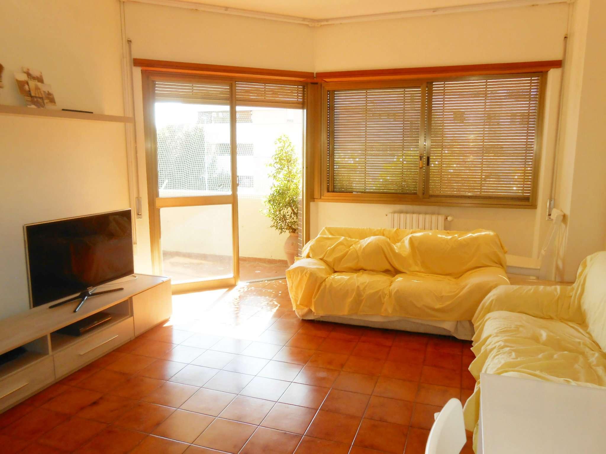 Appartamento in vendita a Roma, 3 locali, zona Zona: 16 . Appia nuova - Alberone - Colli Albani, prezzo € 310.000 | CambioCasa.it