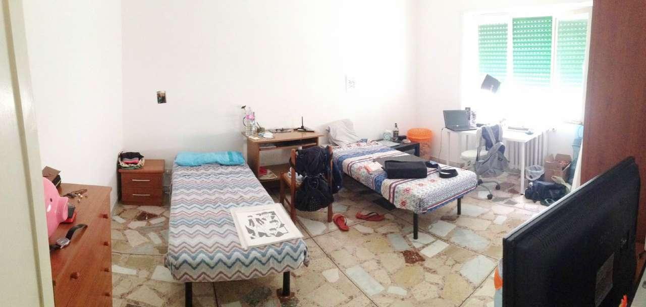 Stanza / posto letto in buone condizioni arredato in affitto Rif. 8886672