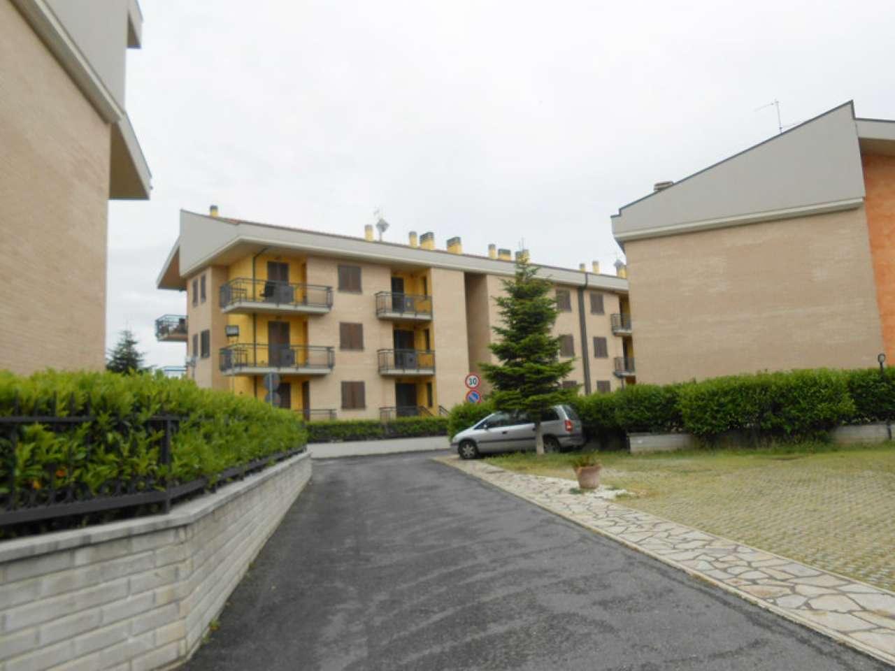 Appartamento in affitto a Roma, 4 locali, zona Zona: 37 . Morena - Ciampino - Trigoria - Falcognana, prezzo € 850 | CambioCasa.it