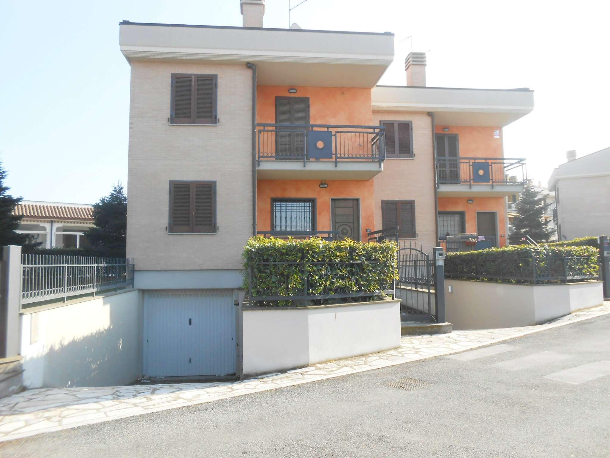 Villa Bifamiliare in vendita a Roma, 5 locali, zona Zona: 37 . Morena - Ciampino - Trigoria - Falcognana, prezzo € 440.000 | CambioCasa.it