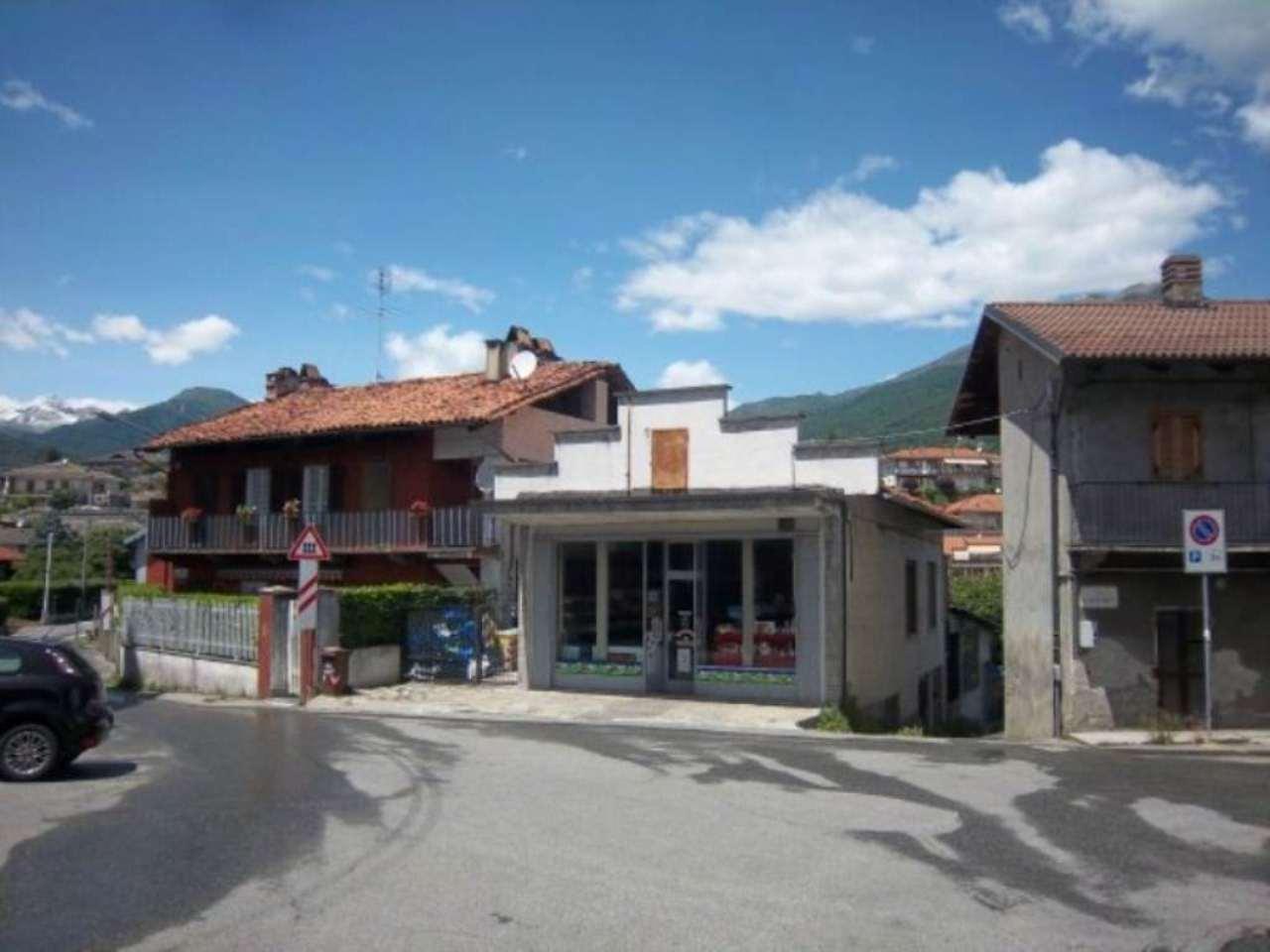 Muri NEGOZIO ALIMENTARI aperto da 50 anni. Dimensioni negozio Mq. 80 + CORTILE mq. 30. Rif. 8140082