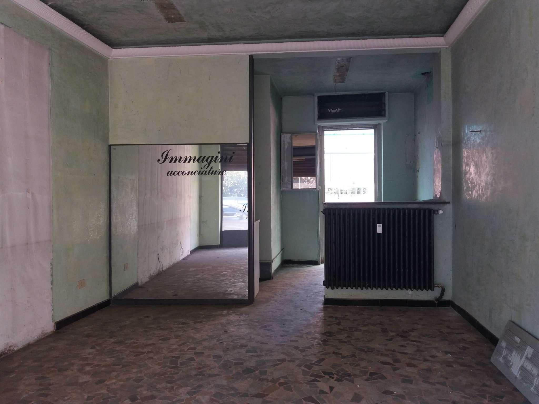 Negozio in vendita Zona Mirafiori - via CARLO DEL PRETE Torino