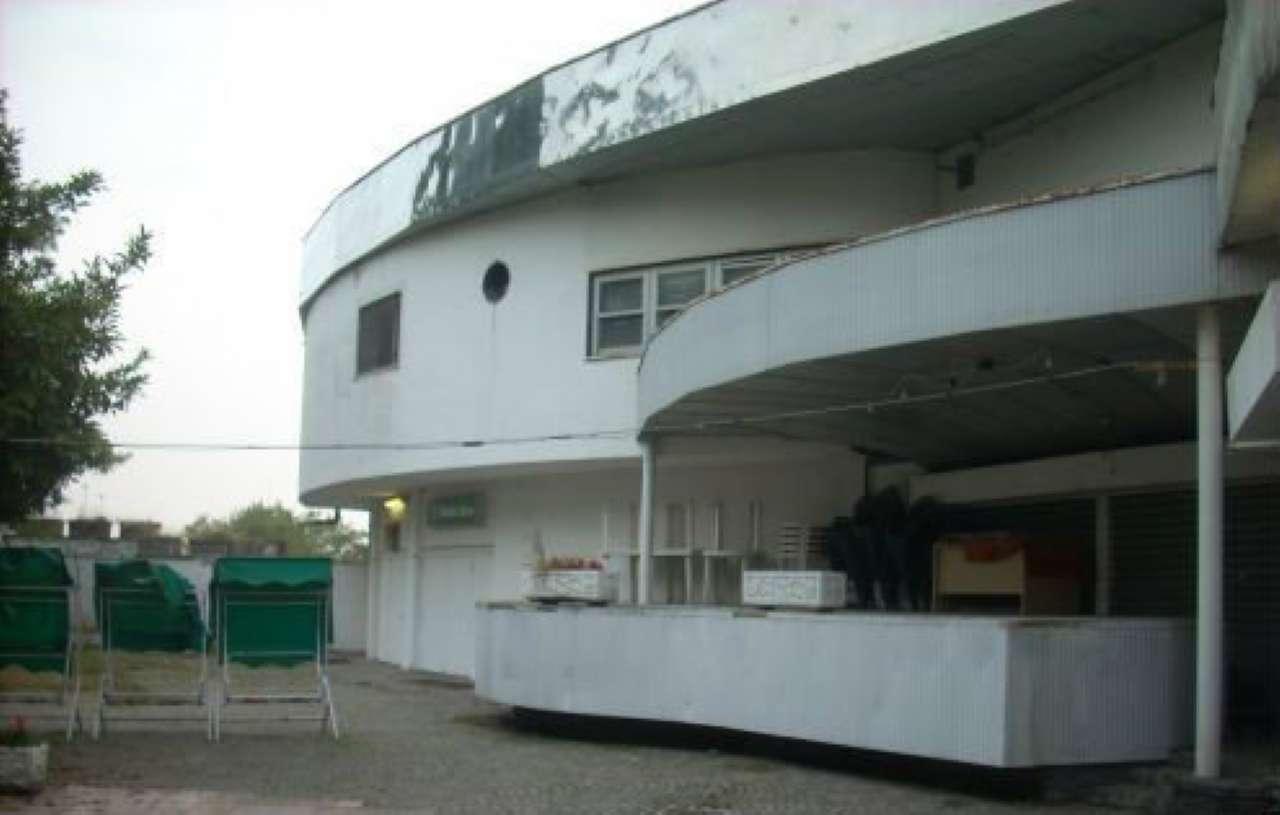 Pub / Discoteca / Locale in vendita a Santhià, 20 locali, prezzo € 1.500.000 | CambioCasa.it