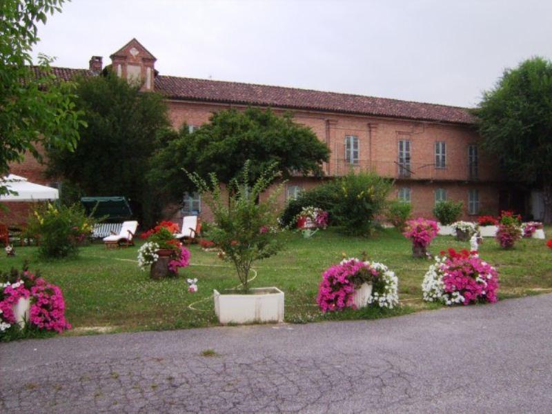 Soluzione Indipendente in vendita a Vigliano d'Asti, 6 locali, prezzo € 1.800.000 | CambioCasa.it