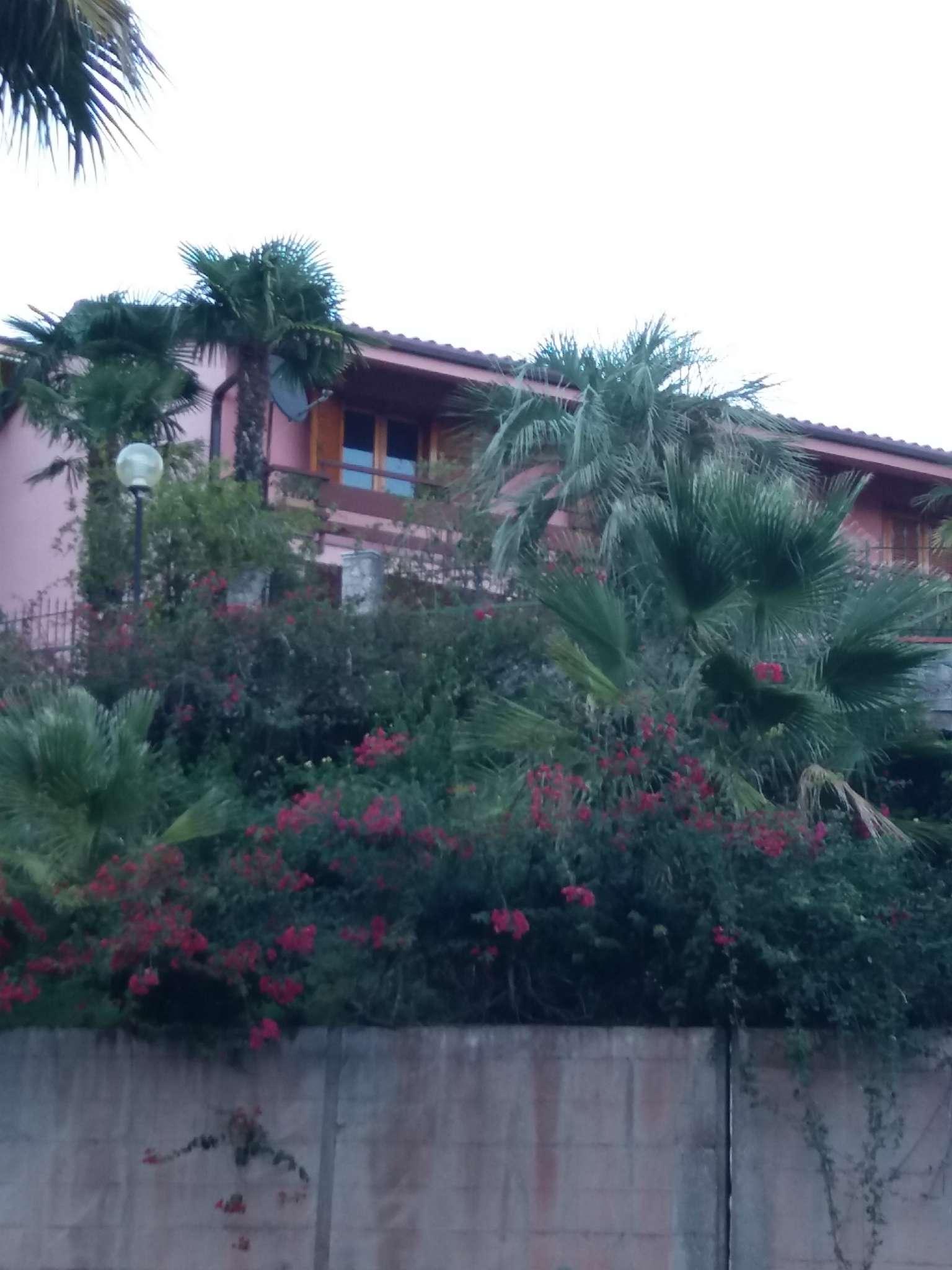Appartamento in ottime condizioni in vendita Rif. 8229968