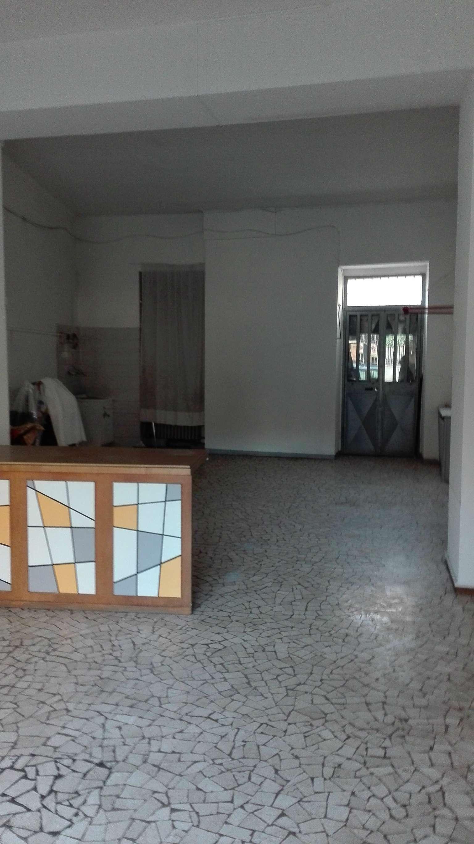 Ufficio / Studio in affitto a Torino, 1 locali, zona Zona: 8 . San Paolo, Cenisia, prezzo € 950 | CambioCasa.it