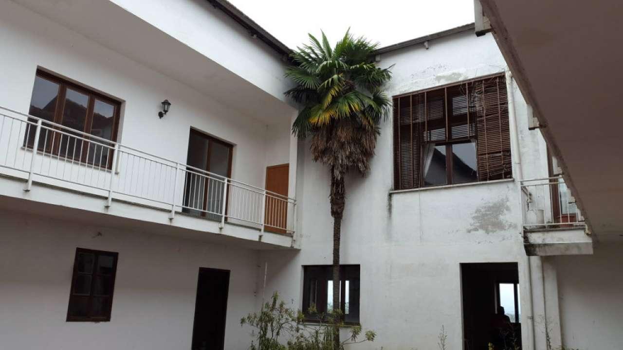 Palazzo / Stabile in vendita a Cuceglio, 25 locali, prezzo € 150.000 | CambioCasa.it