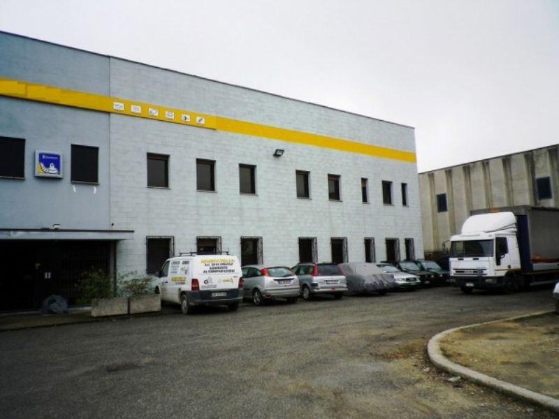 Capannone in vendita a Villanova d'Asti, 4 locali, prezzo € 400.000 | CambioCasa.it