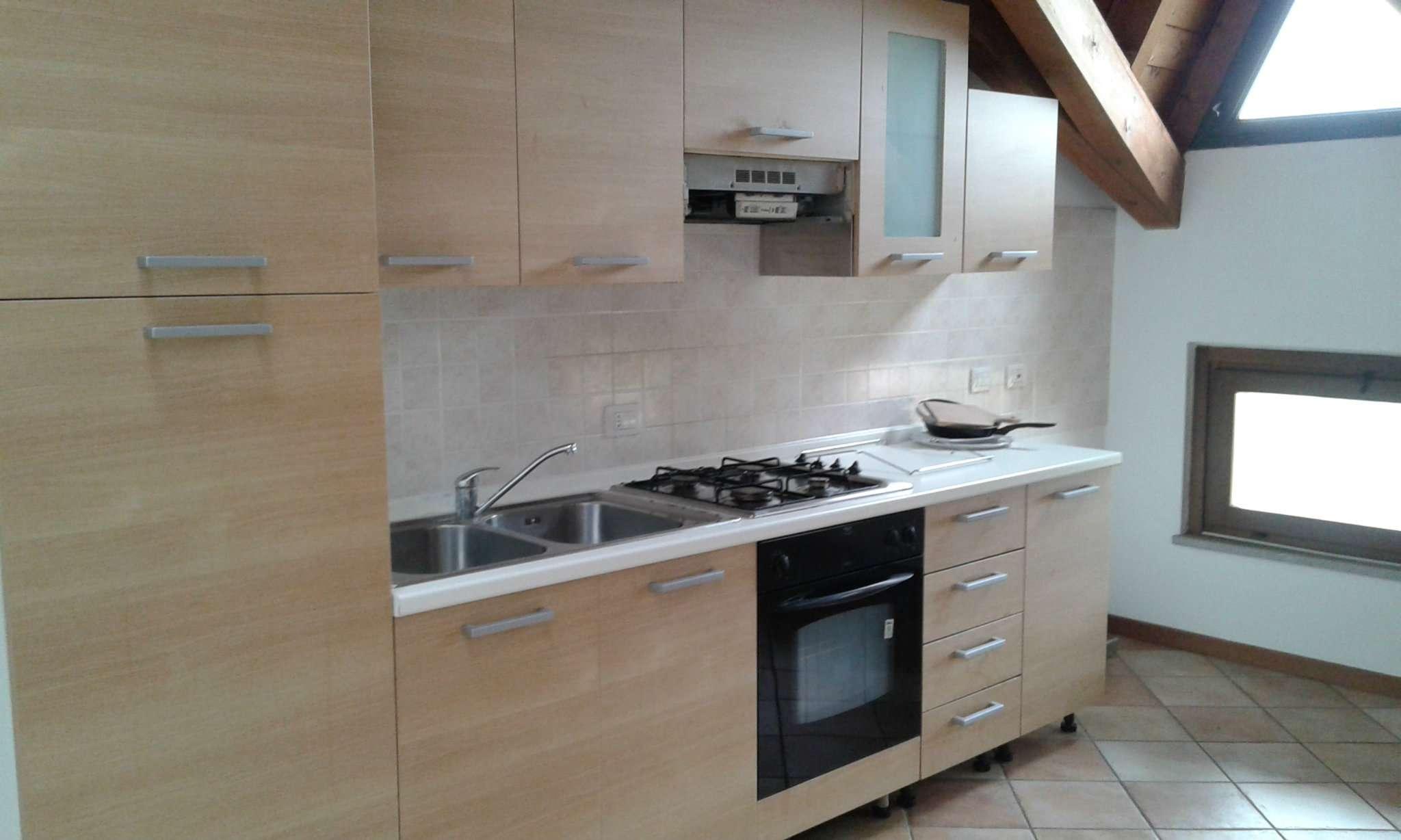 Appartamento arredato in affitto Rif. 8646136
