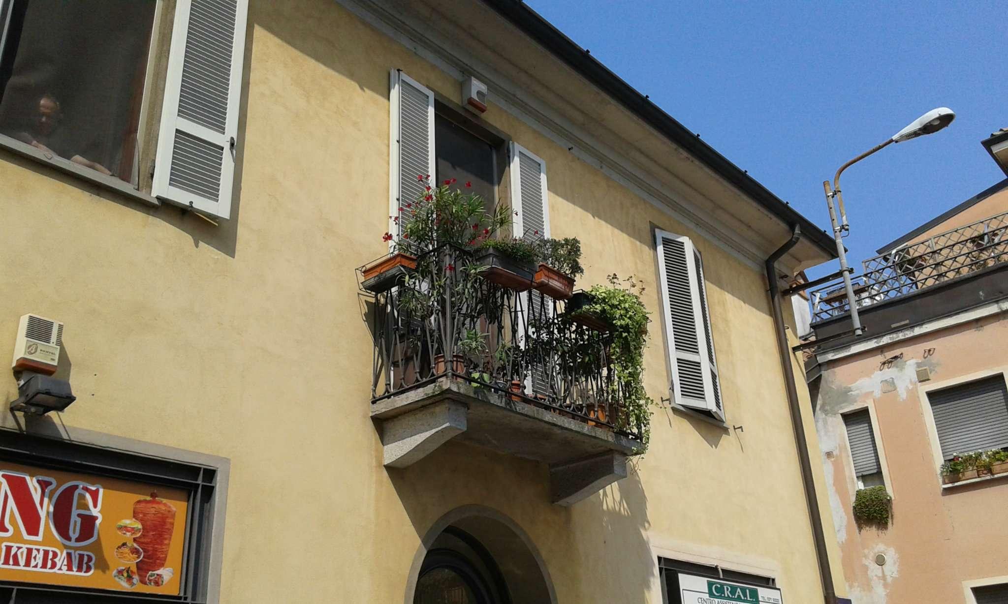 Appartamento in buone condizioni arredato in affitto Rif. 9125109