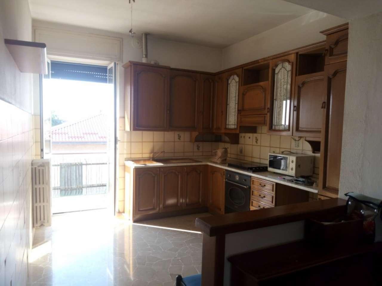Appartamento in buone condizioni parzialmente arredato in vendita Rif. 7873240