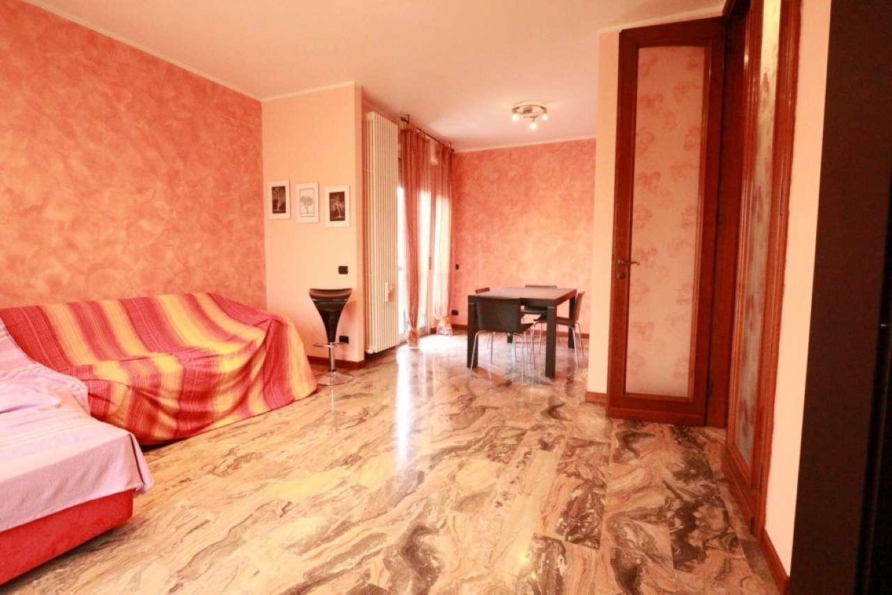 Appartamento ristrutturato arredato in vendita Rif. 8189037
