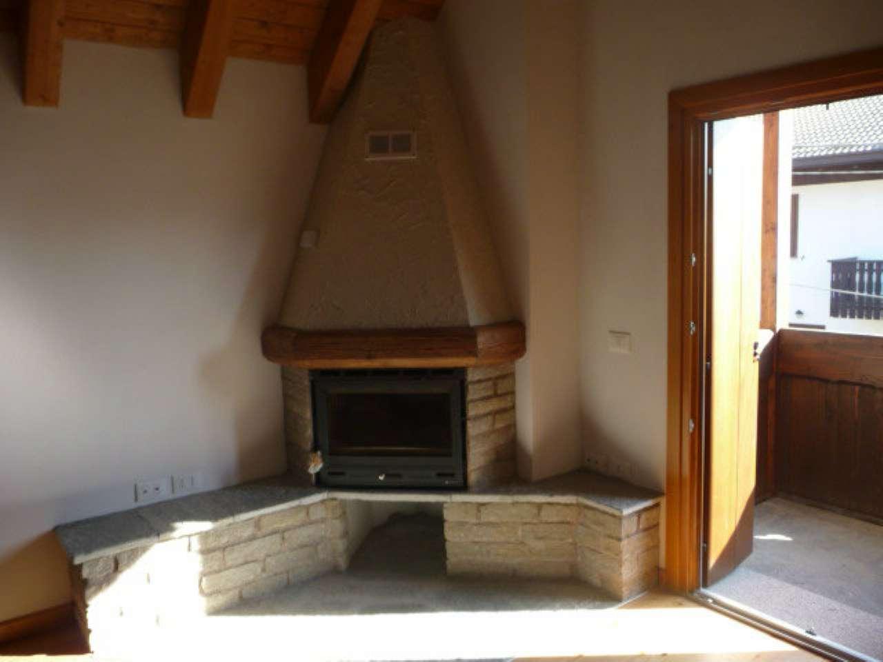Appartamento in vendita a Borno, 4 locali, prezzo € 115.000 | CambioCasa.it