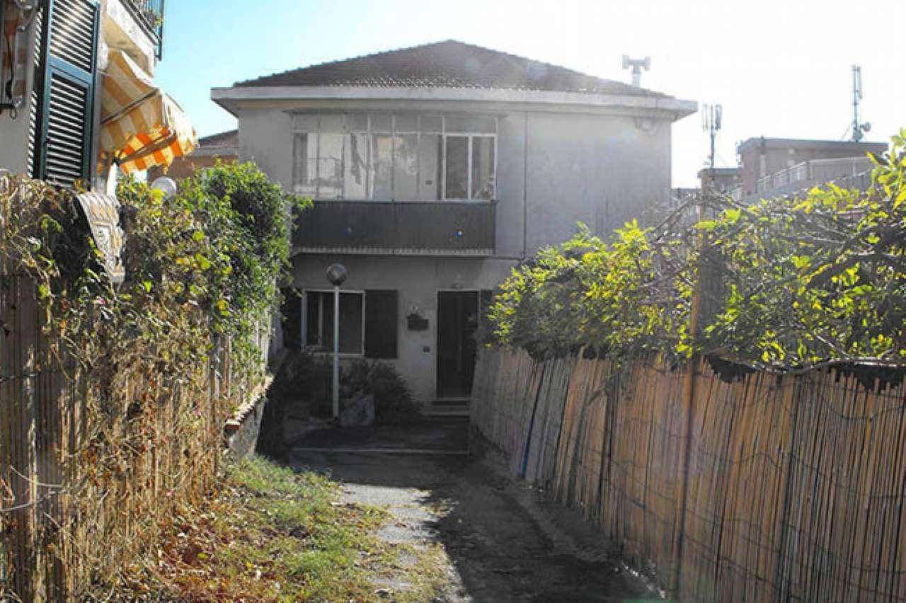 Appartamento in vendita a Varazze, 6 locali, prezzo € 195.000   CambioCasa.it