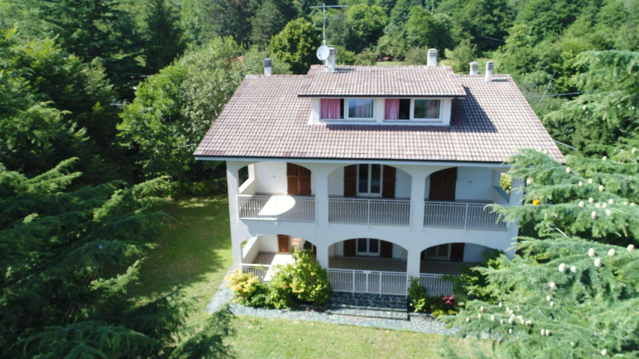 Villa Tri-Quadrifamiliare in vendita a Varazze, 15 locali, prezzo € 800.000   CambioCasa.it