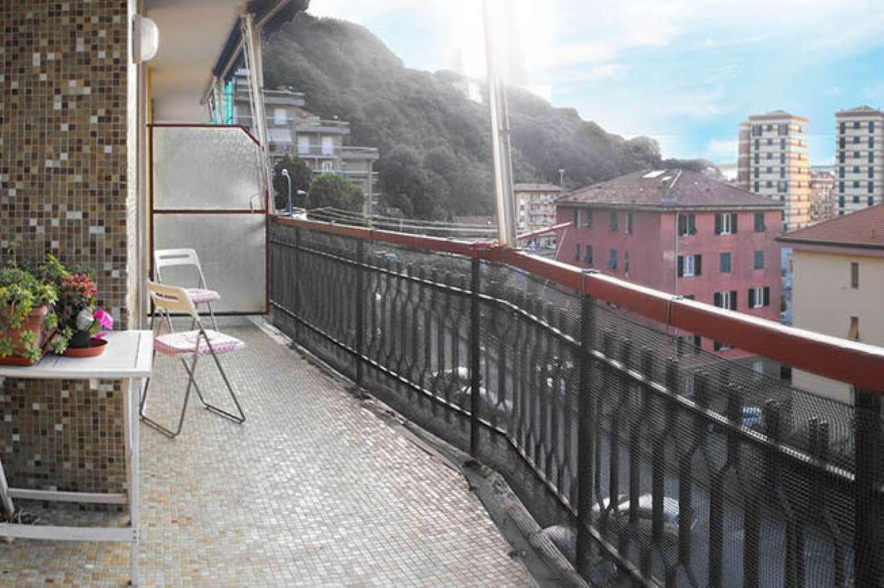 Appartamento in vendita a Varazze, 3 locali, prezzo € 200.000   CambioCasa.it