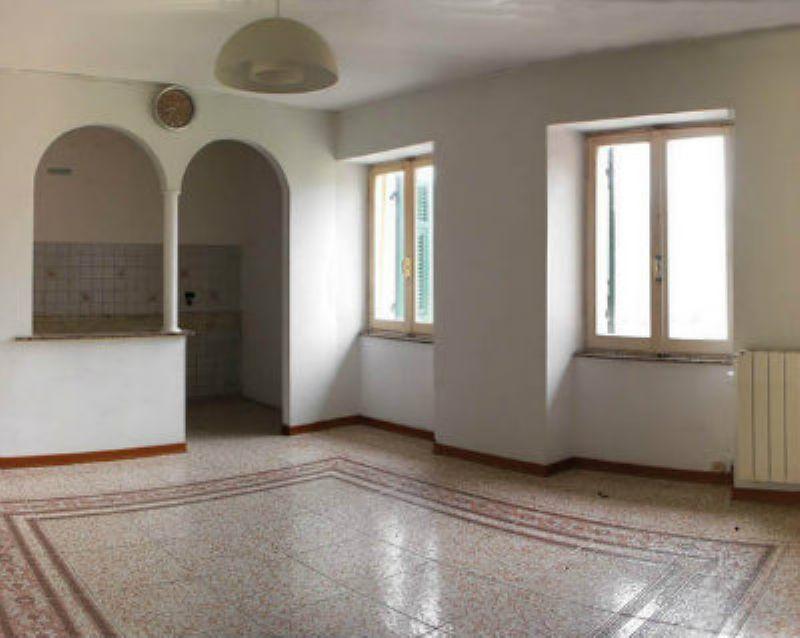 Appartamento da ristrutturare in vendita Rif. 4961980