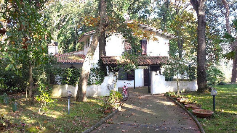 Villa in vendita a Sabaudia, 6 locali, prezzo € 540.000   CambioCasa.it