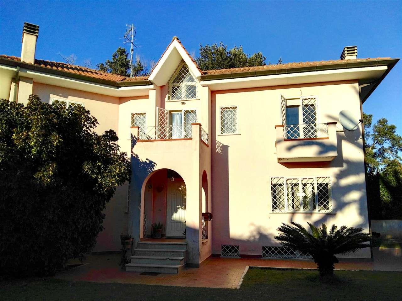 Villa in vendita a Sabaudia, 7 locali, prezzo € 399.000 | CambioCasa.it