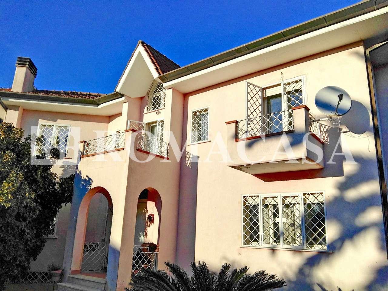 Villa in vendita a Sabaudia, 7 locali, prezzo € 390.000 | CambioCasa.it