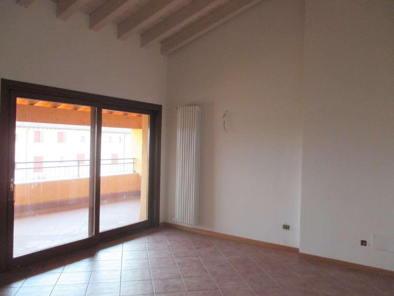 Appartamento in affitto a Bedizzole, 3 locali, prezzo € 650 | CambioCasa.it