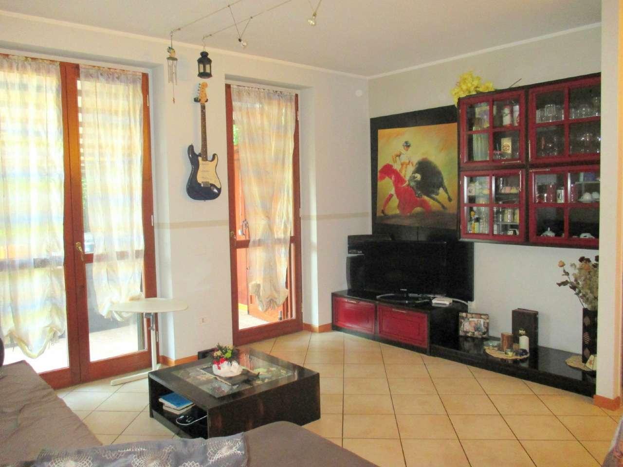 Appartamento in ottime condizioni arredato in affitto Rif. 7873253