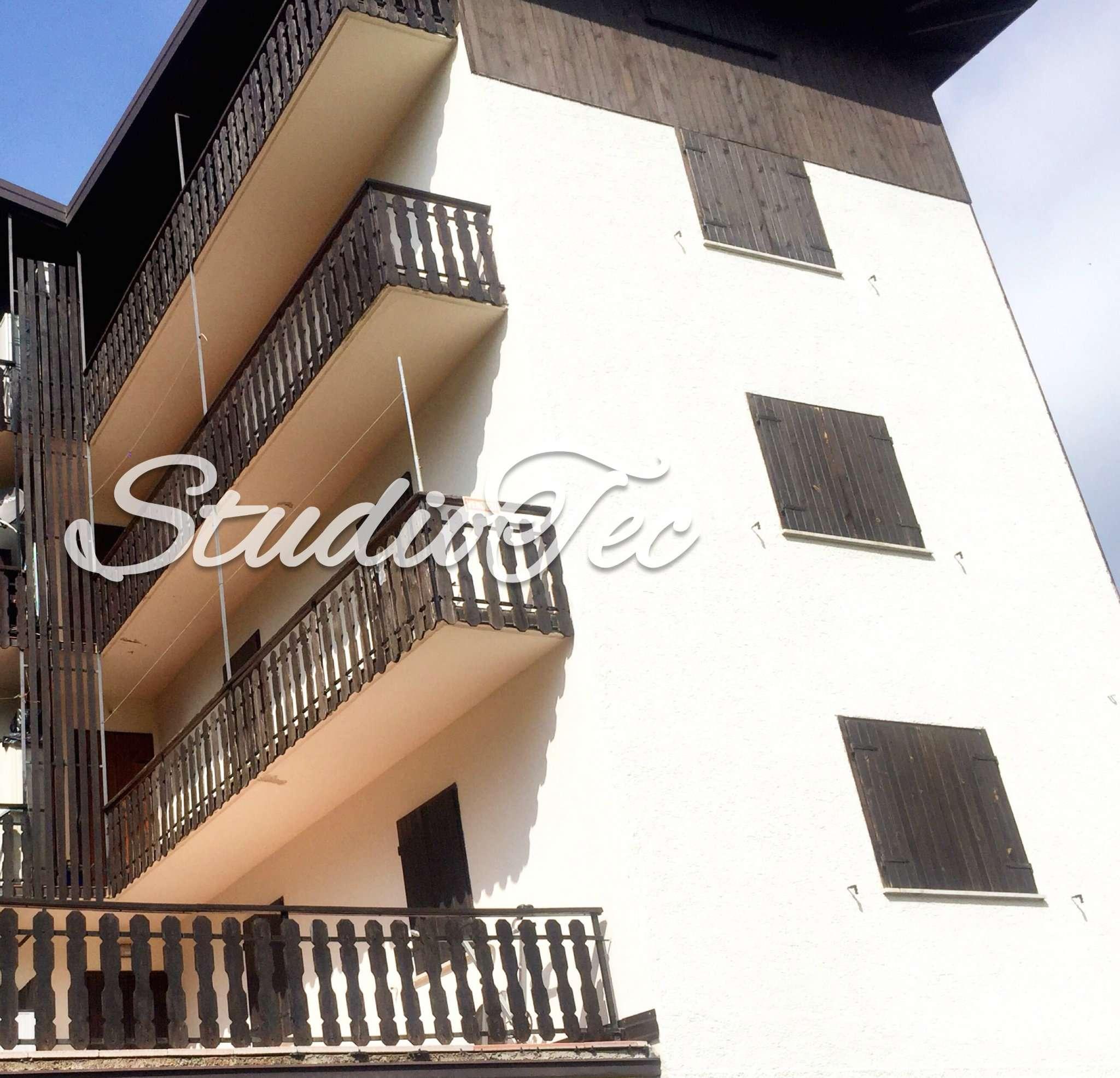Appartamento in buone condizioni arredato in vendita Rif. 4963967