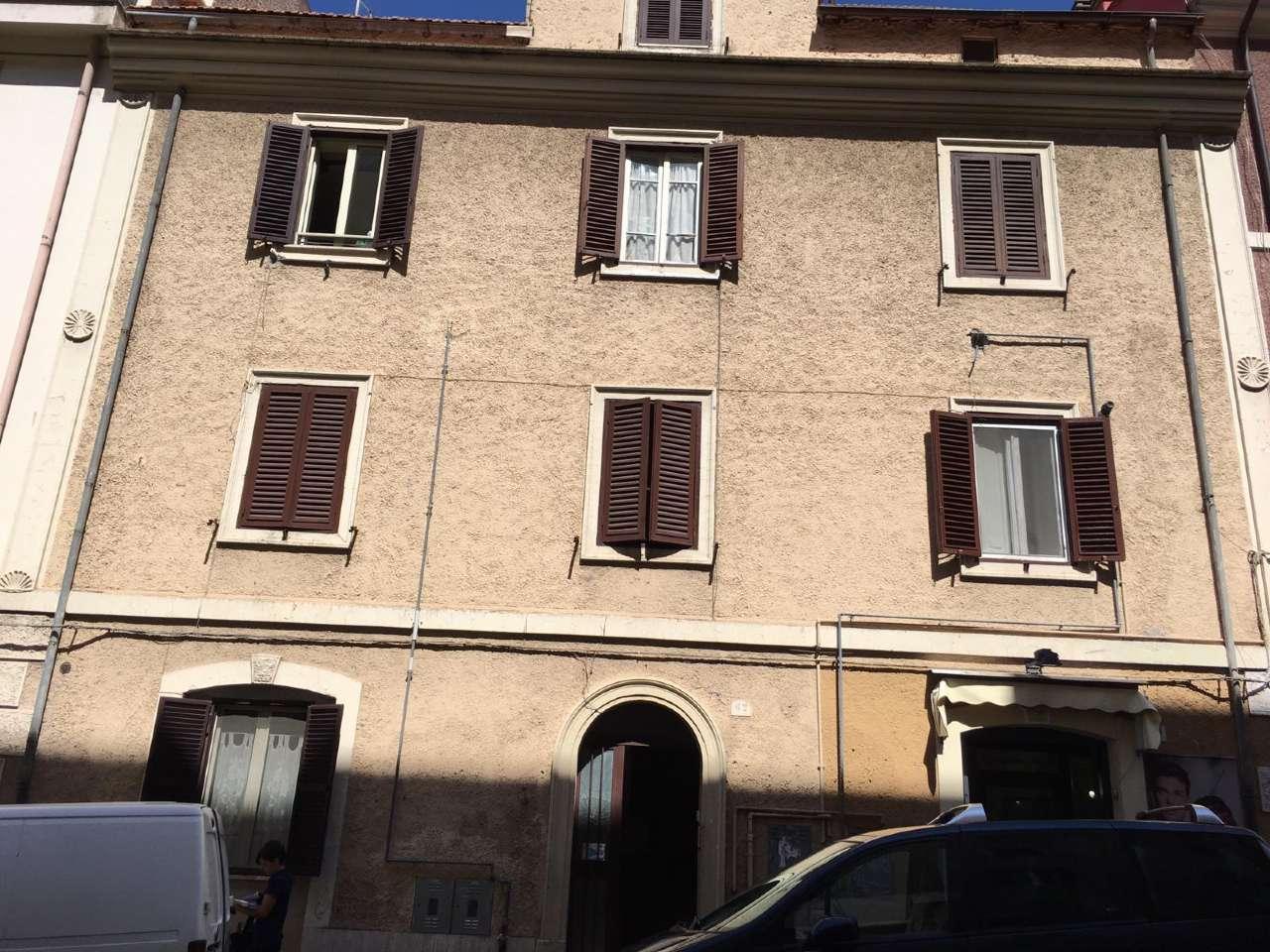 Appartamento da ristrutturare in vendita Rif. 8493096