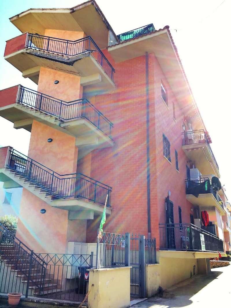 Appartamento in vendita a Tivoli, 2 locali, prezzo € 109.000 | CambioCasa.it
