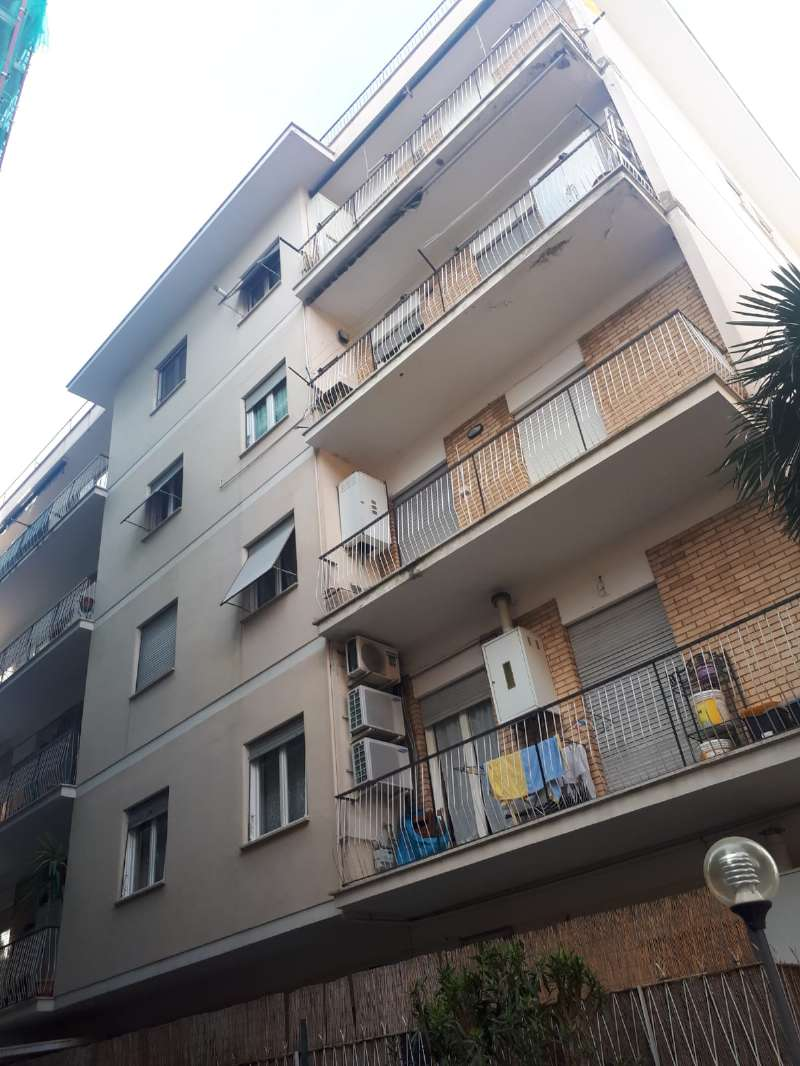 Appartamento in vendita a Tivoli, 3 locali, prezzo € 188.000 | CambioCasa.it
