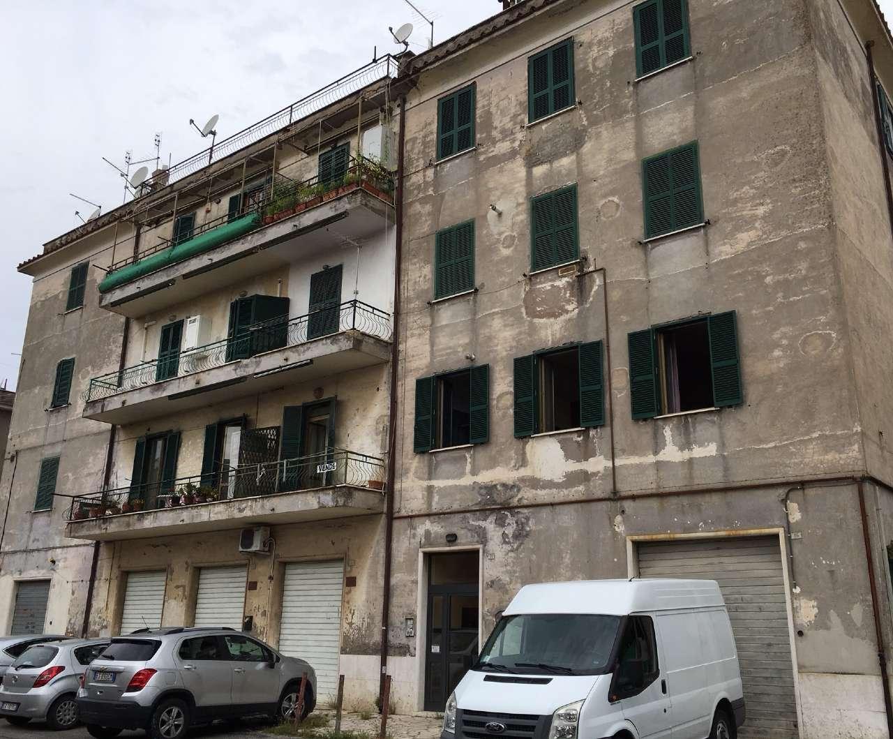 Appartamento in vendita a Tivoli, 2 locali, prezzo € 89.000 | CambioCasa.it