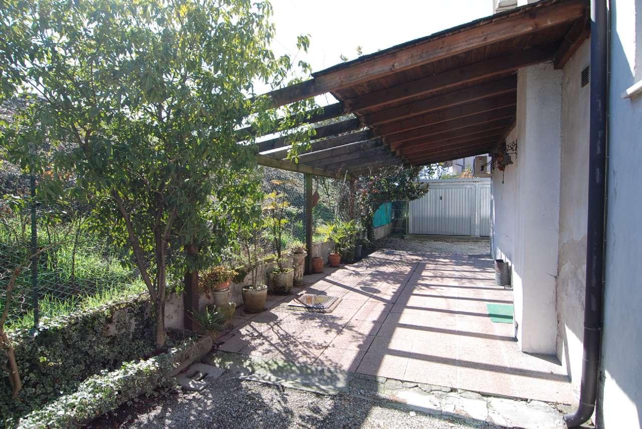 Casa Indipendente da ristrutturare arredato in vendita Rif. 5700161