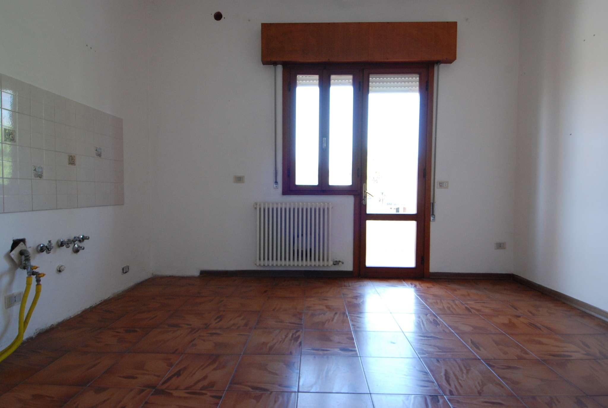 Appartamento in buone condizioni in vendita Rif. 6908076