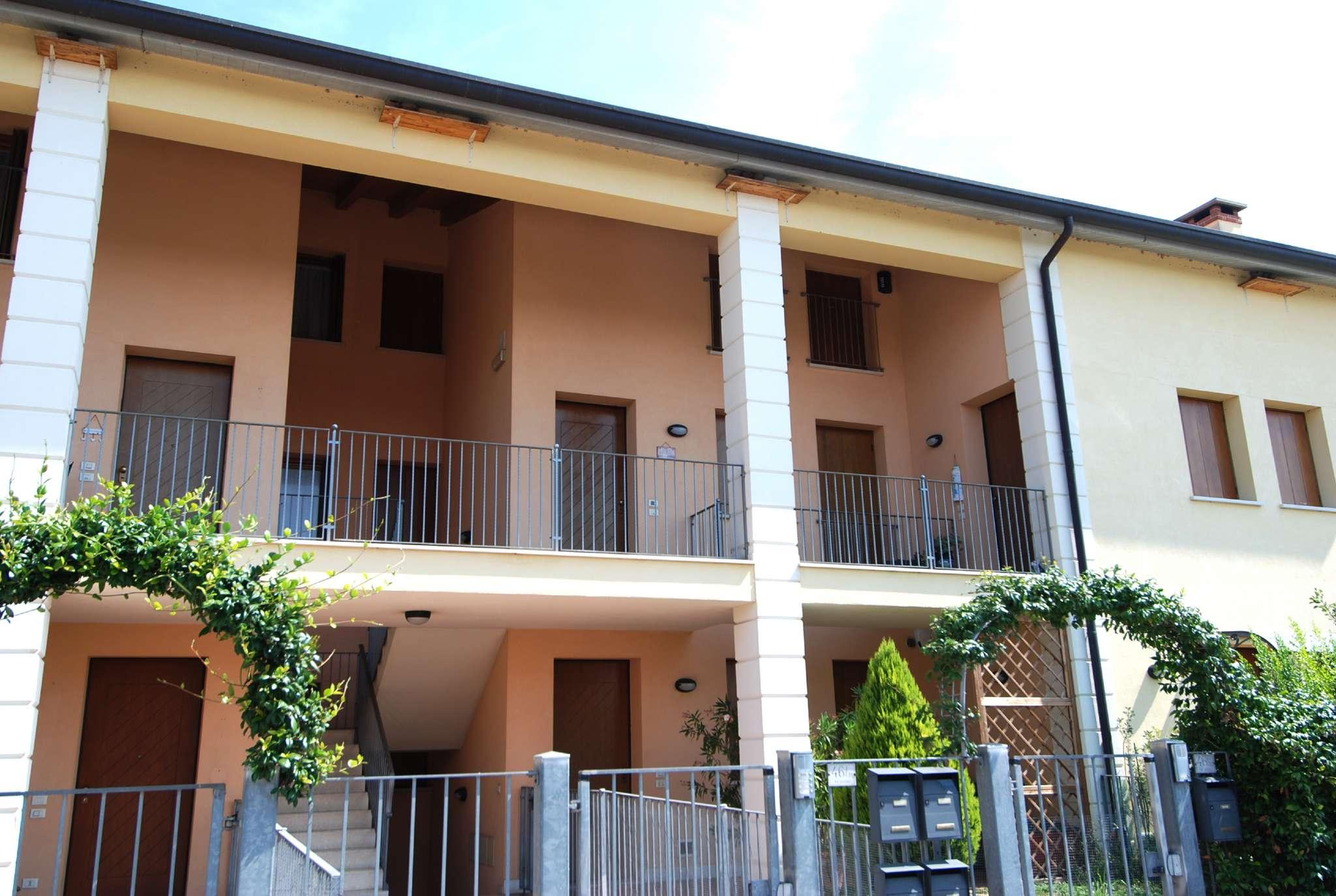 Appartamento in ottime condizioni arredato in vendita Rif. 7541128