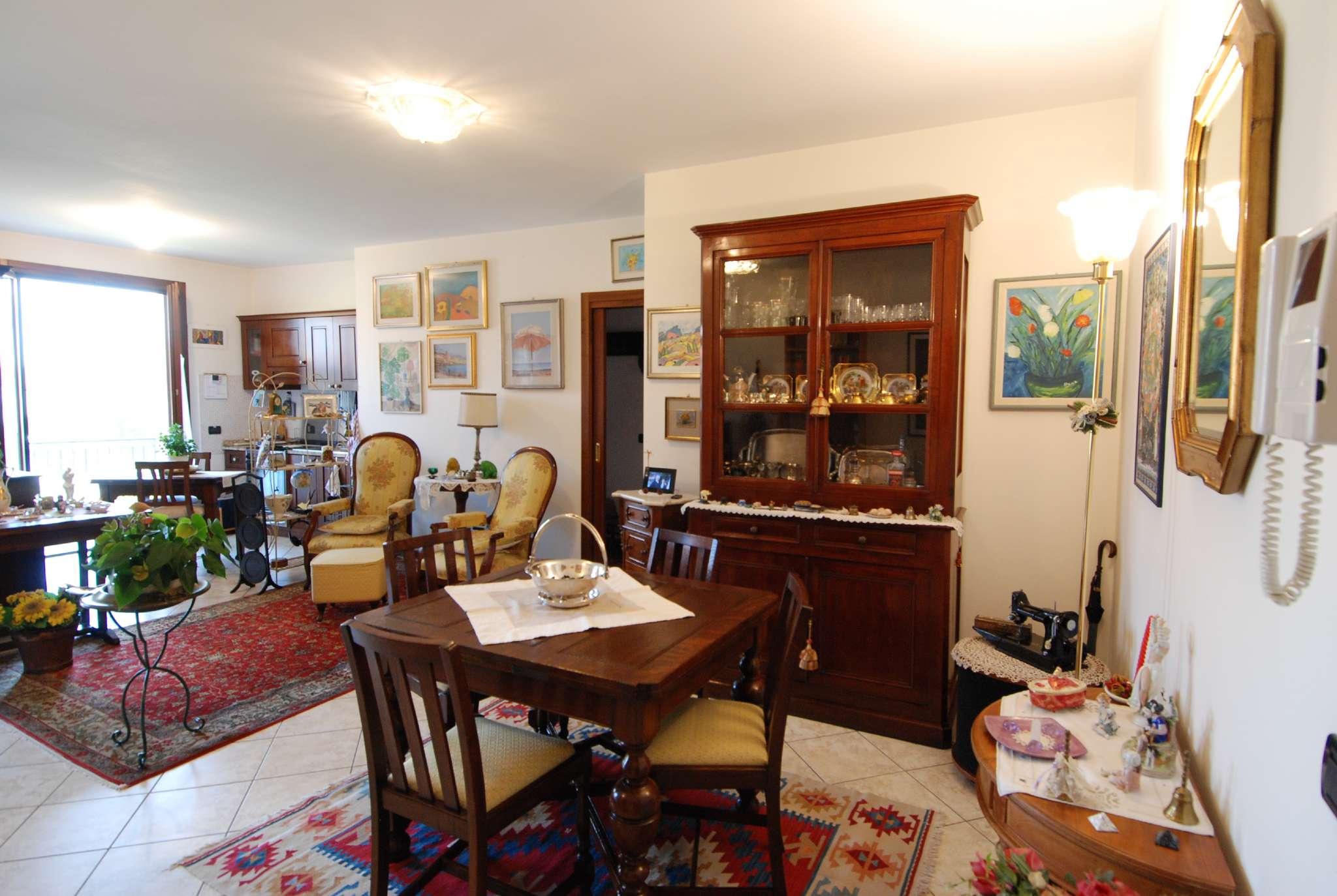 Appartamento in ottime condizioni in vendita Rif. 8760469